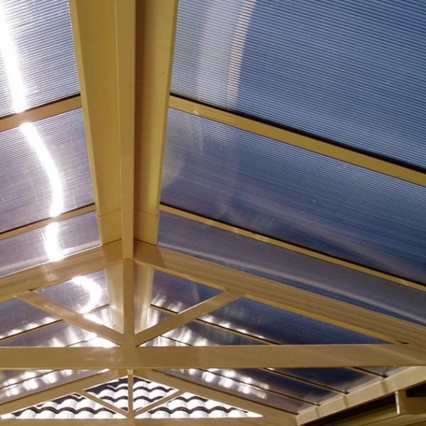 pokrycie dachu płytami poliwęglanowymi