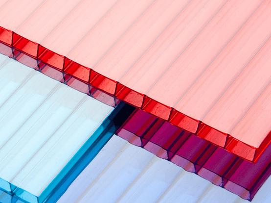 Płyty poliwęglanowe – rulony z miękkiego pcw   dla budownictwa